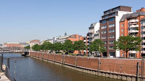 Bei den Mühren 70 in 20457 Hamburg.